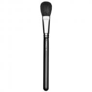M.A.C. - 116 Blush Brush