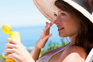 Protect yourself from the sun with Uriage's Bariésun