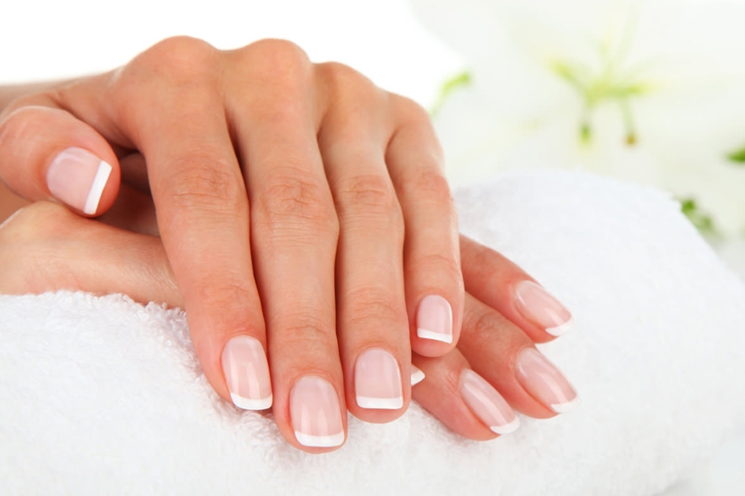 Take care of the nails, your presentation card!