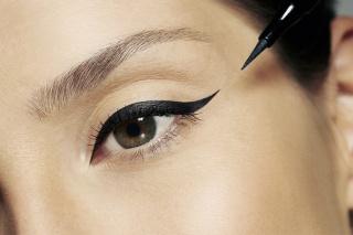 Eyeliner e Lápis de Maquilhagem