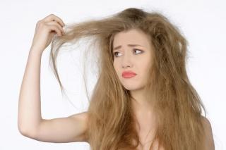 Cuidados a ter com os cabelos secos